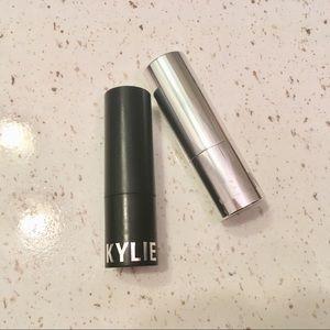 2 Kylie Cosmetics lipsticks